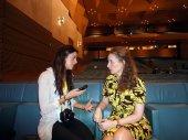 rozmowa pomiędzy dwiema kobietami