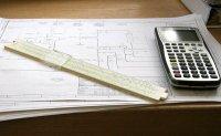 kalkulator, linijka i kosztorys